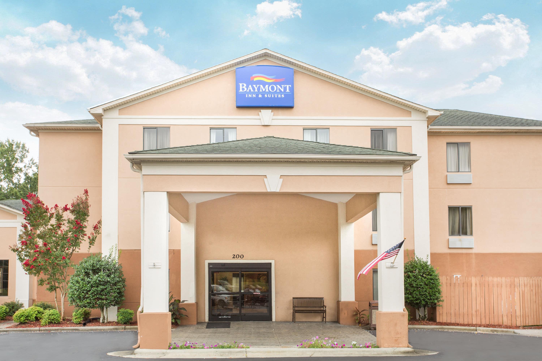 Baymont By Wyndham Winston Salem Winston Salem Hotels Nc 27105 8618