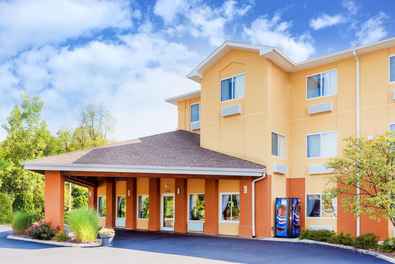 Baymont Inn & Suites Oxford in Richmond, Indiana