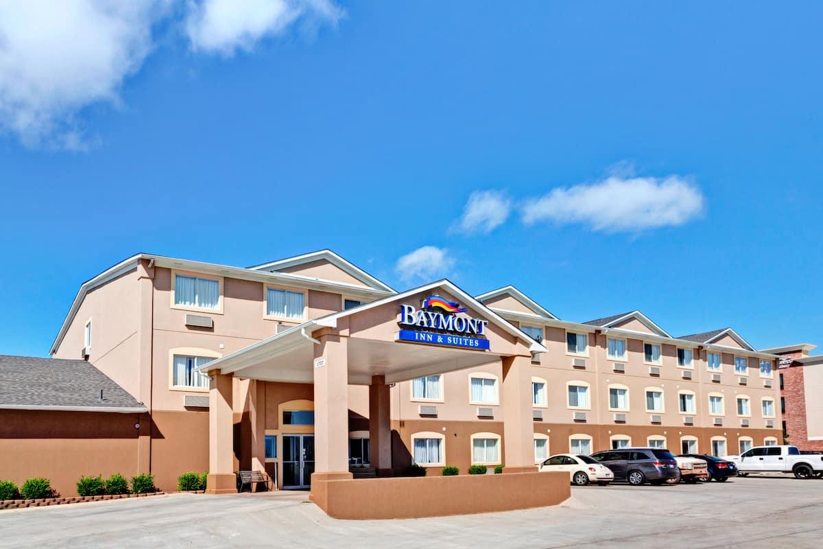 Exterior Of Baymont Inn Suites El Reno Hotel In Oklahoma