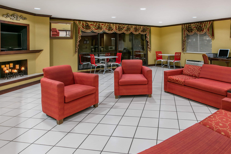 Baymont By Wyndham Lawton Hotel Lobby In Lawton, Oklahoma