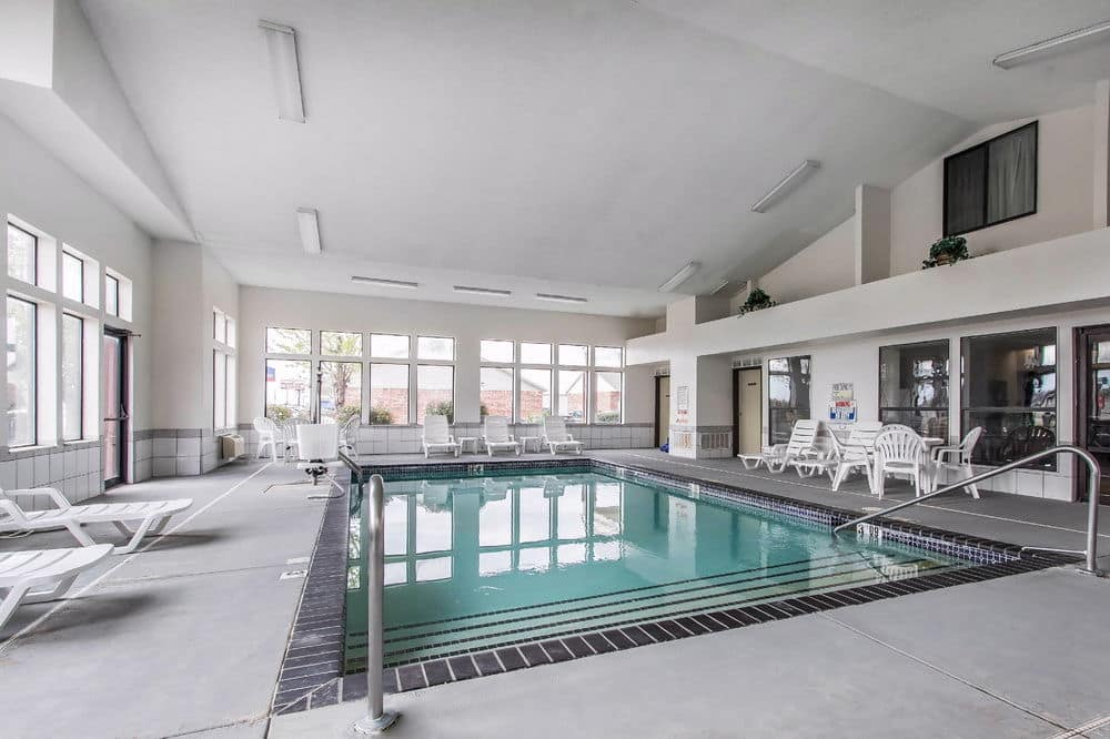 Pool At The Baymont Inn Suites Moore Oklahoma City Area In