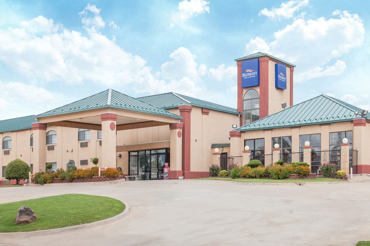 Baymont Inn & Suites Oklahoma City Edmond in Choctaw, Oklahoma