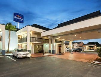 Baymont Inn & Suites Florence in Lake City, South Carolina