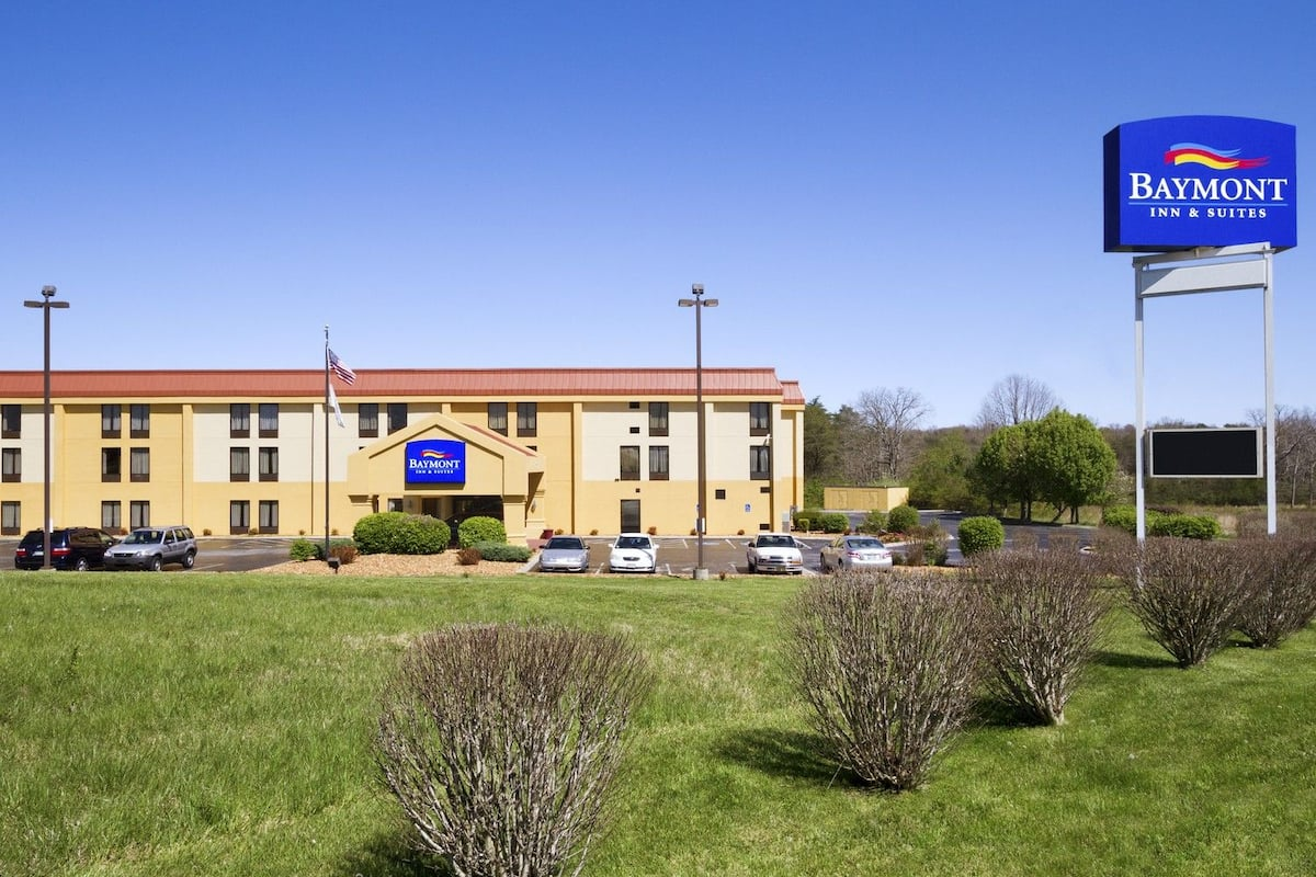 Exterior Of Baymont Inn Suites Crossville Hotel In Tennessee