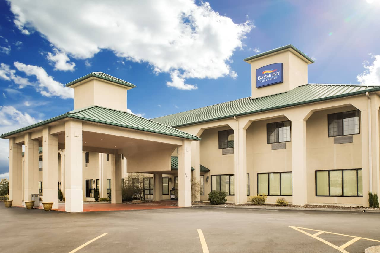 Baymont Inn & Suites Johnson City in Bristol, Tennessee