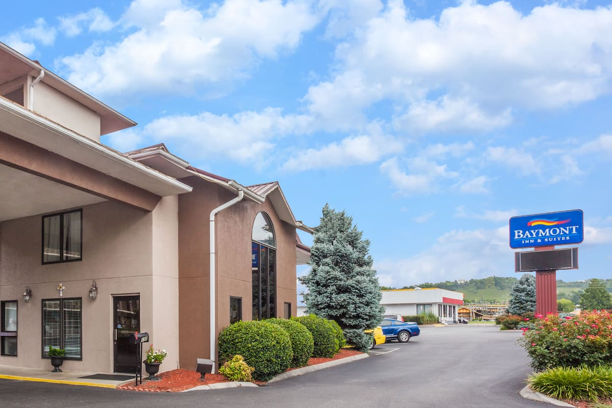 Exterior of Baymont Inn   Suites Pigeon Forge hotel in Pigeon Forge   TennesseehotelName     city  Hotels  TN 37863. 2 Bedroom Suite Hotels In Pigeon Forge Tn. Home Design Ideas