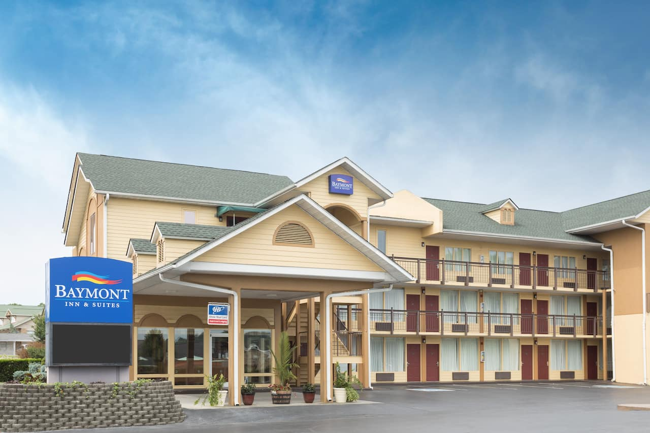 Baymont Inn & Suites Sevierville Pigeon Forge in  Knoxville,  Tennessee