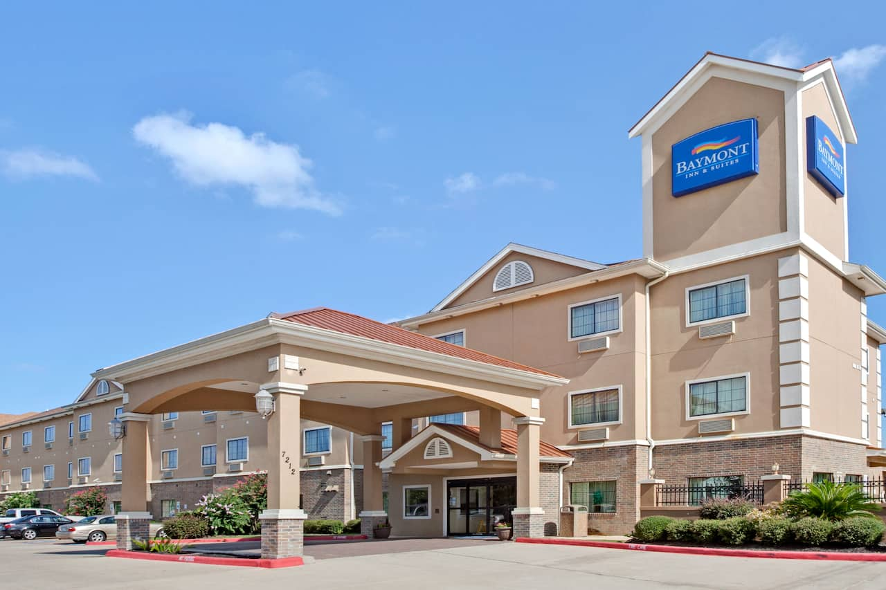 Baymont Inn & Suites Baytown in Kemah, Texas