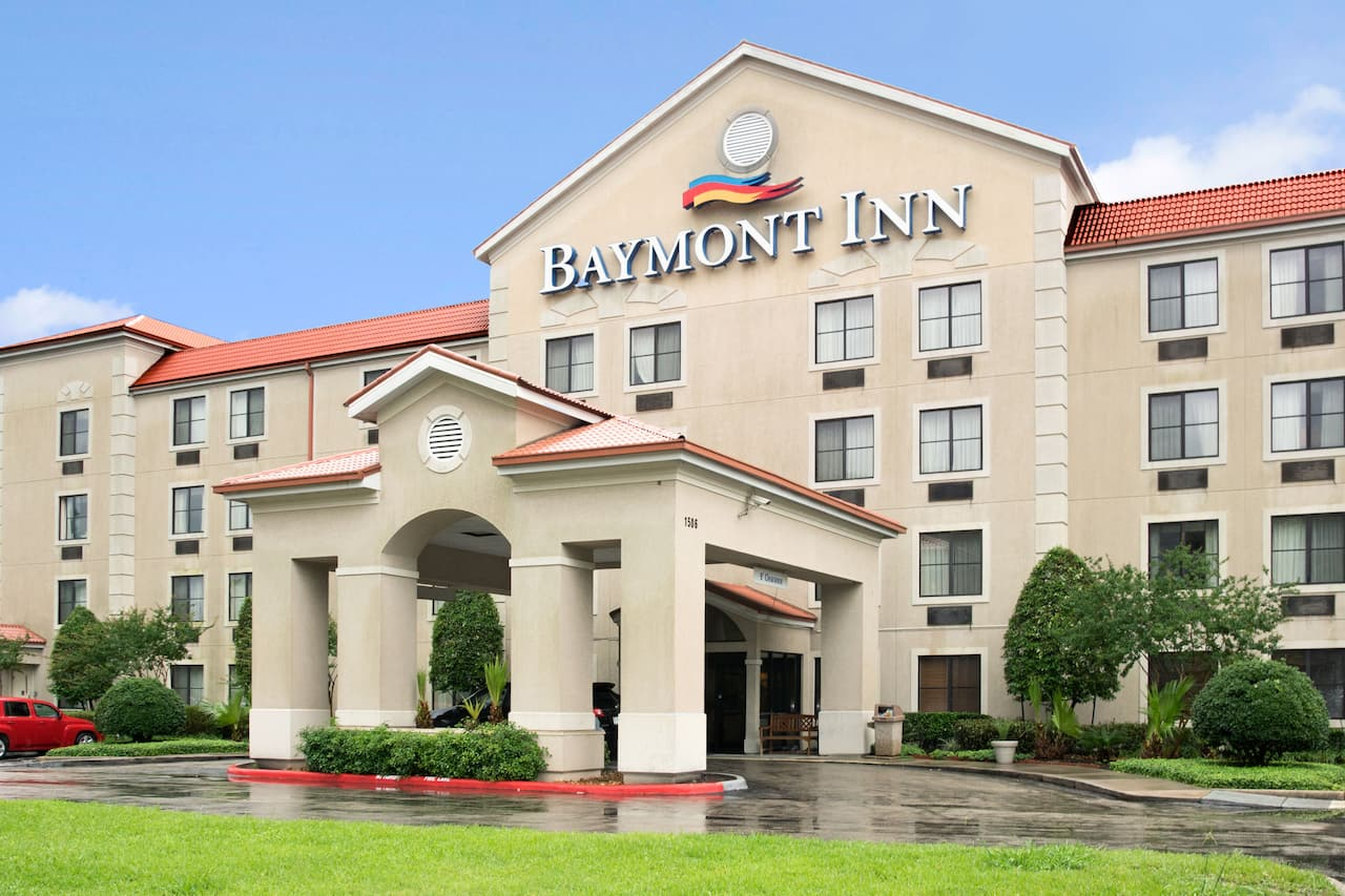 Baymont Inn & Suites Conroe in Conroe, Texas
