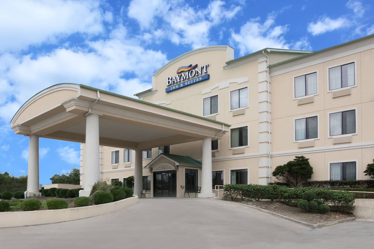 Exterior Of Baymont Inn Suites Houston Intercontinental Airport Hotel In Humble Texas