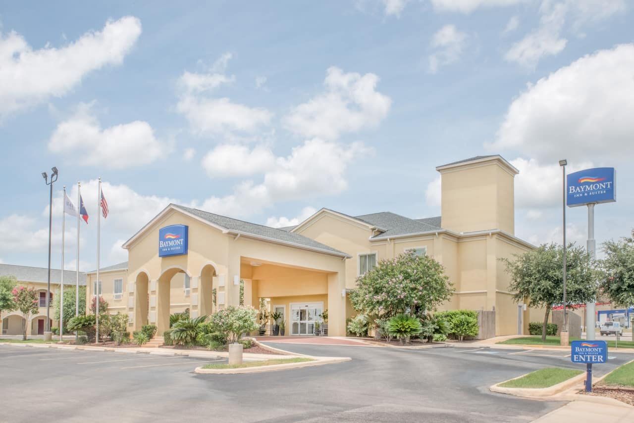 Baymont Inn & Suites Pearsall in Dilley, Texas