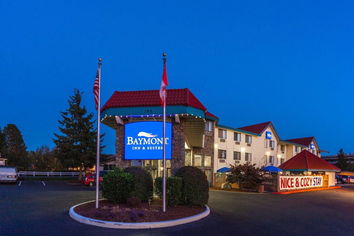 Exterior Of Baymont Inn Suites Bellingham Hotel In Washington