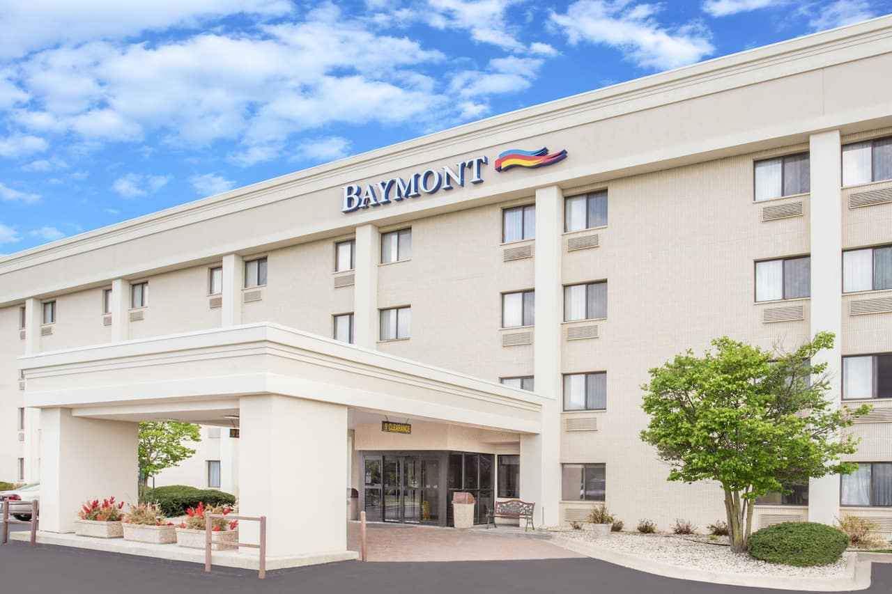 Baymont Inn & Suites Janesville in  Whitewater,  Wisconsin