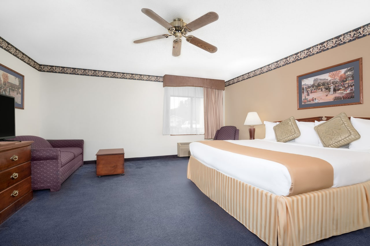 at the Baymont Inn & Suites La Crosse/Onalaska in Onalaska, Wisconsin