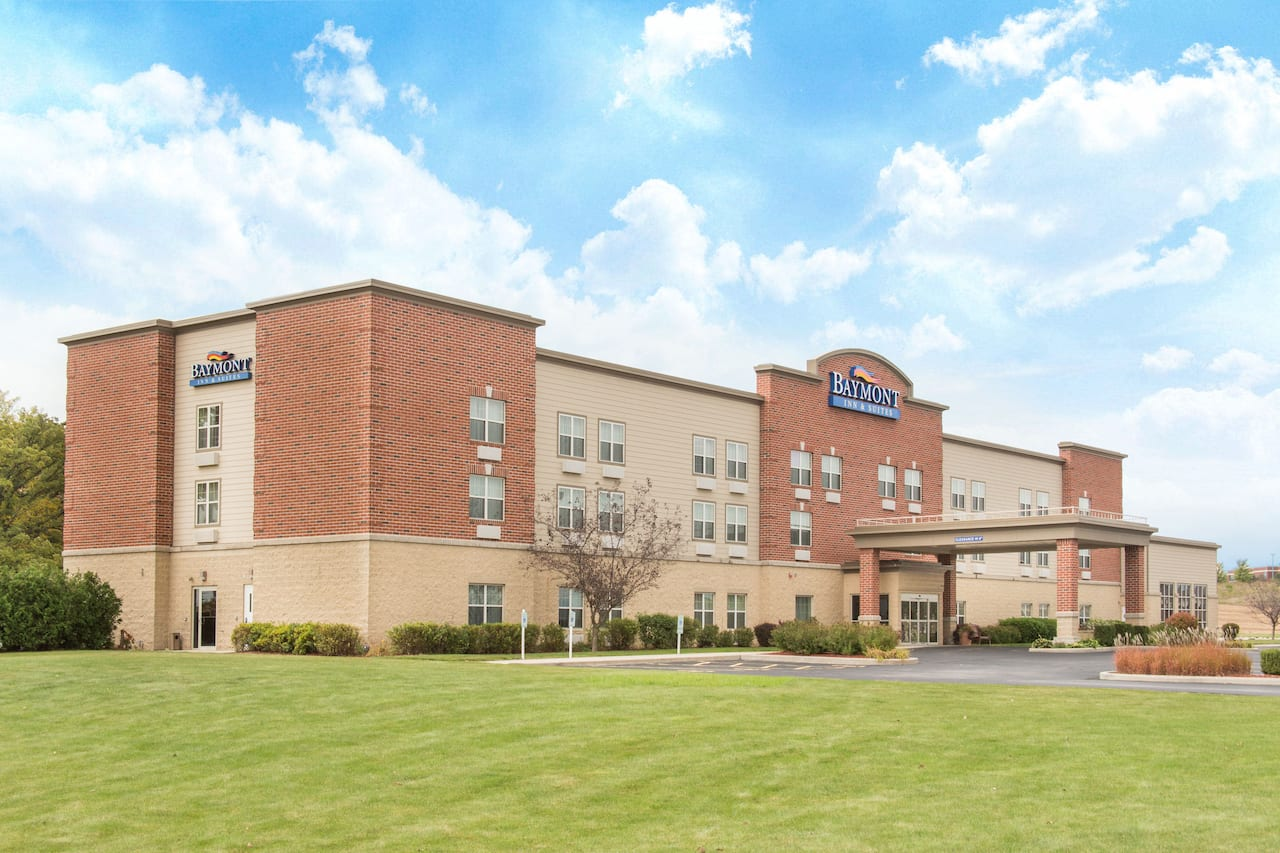 Baymont Inn & Suites Plymouth in  Plymouth,  Wisconsin