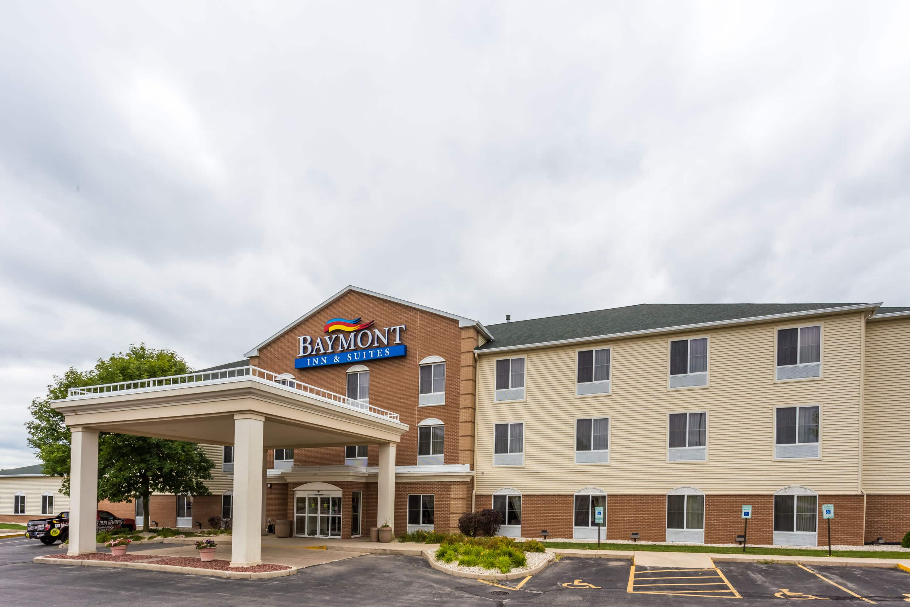 Hotels Near Delafield Wi Amazing With