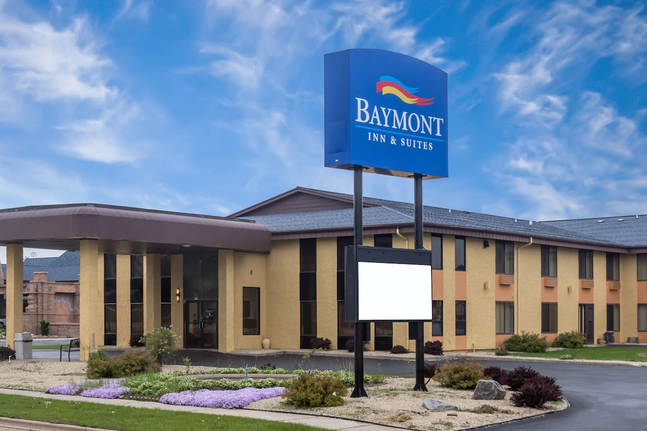 Baymont Inn & Suites Wisconsin Dells in Portage, Wisconsin