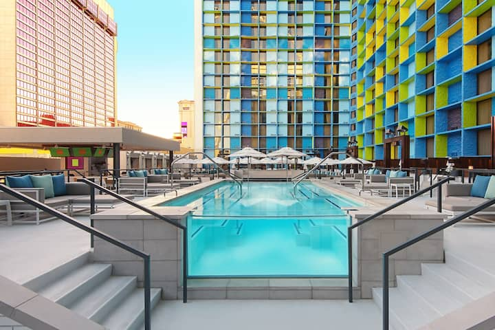 Pool at the The LINQ Hotel and Casino in Las Vegas, Nevada