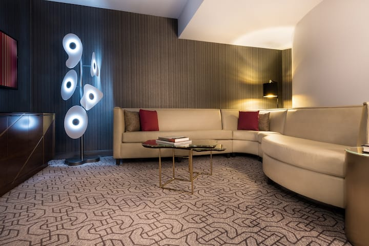 Guest Room At The Planet Hollywood Resort And In Las Vegas Nevada