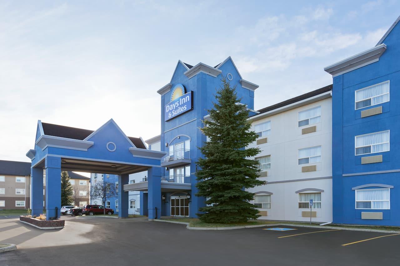 Days Inn & Suites by Wyndham Brooks in  Brooks,  Alberta