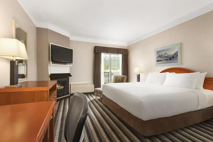 Guest room at the Days Inn Canmore in Canmore, Alberta