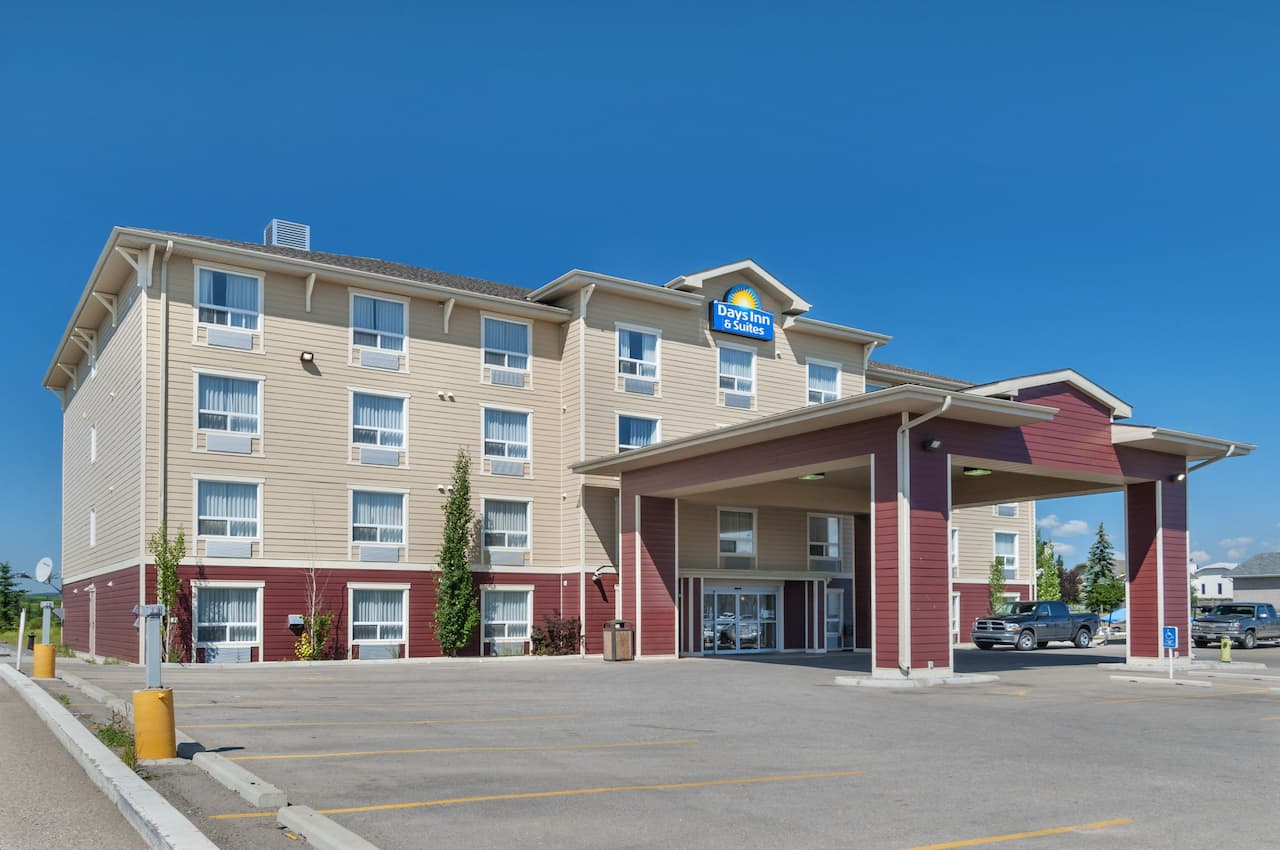 Days Inn & Suites Cochrane in Airdrie, Alberta