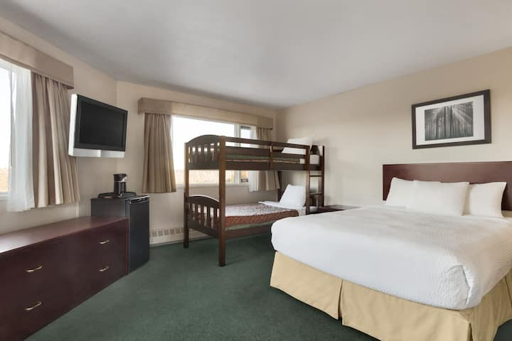 Days Inn - Lethbridge suite in Lethbridge, Alberta