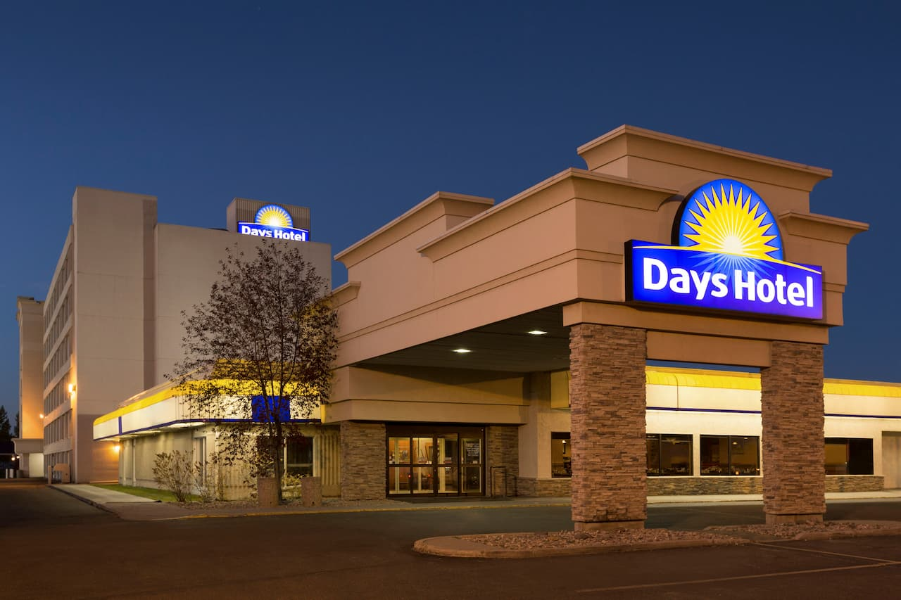 Days Hotel & Suites - Lloydminster in Lloydminster, Alberta