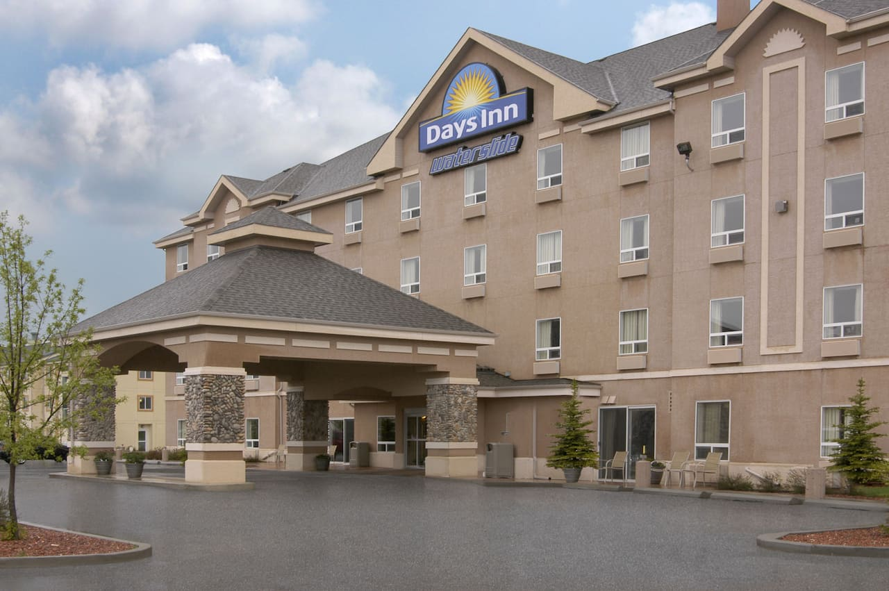Days Inn - Red Deer in  Sylvan Lake,  Alberta