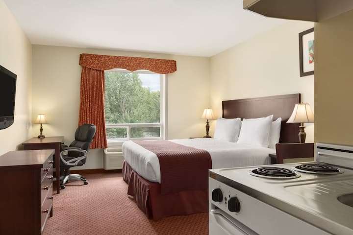Guest room at the Days Inn Chetwynd in Chetwynd, British Columbia