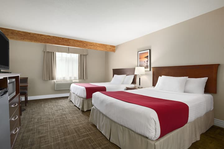 Guest room at the Days Inn & Suites Revelstoke in Revelstoke, British Columbia