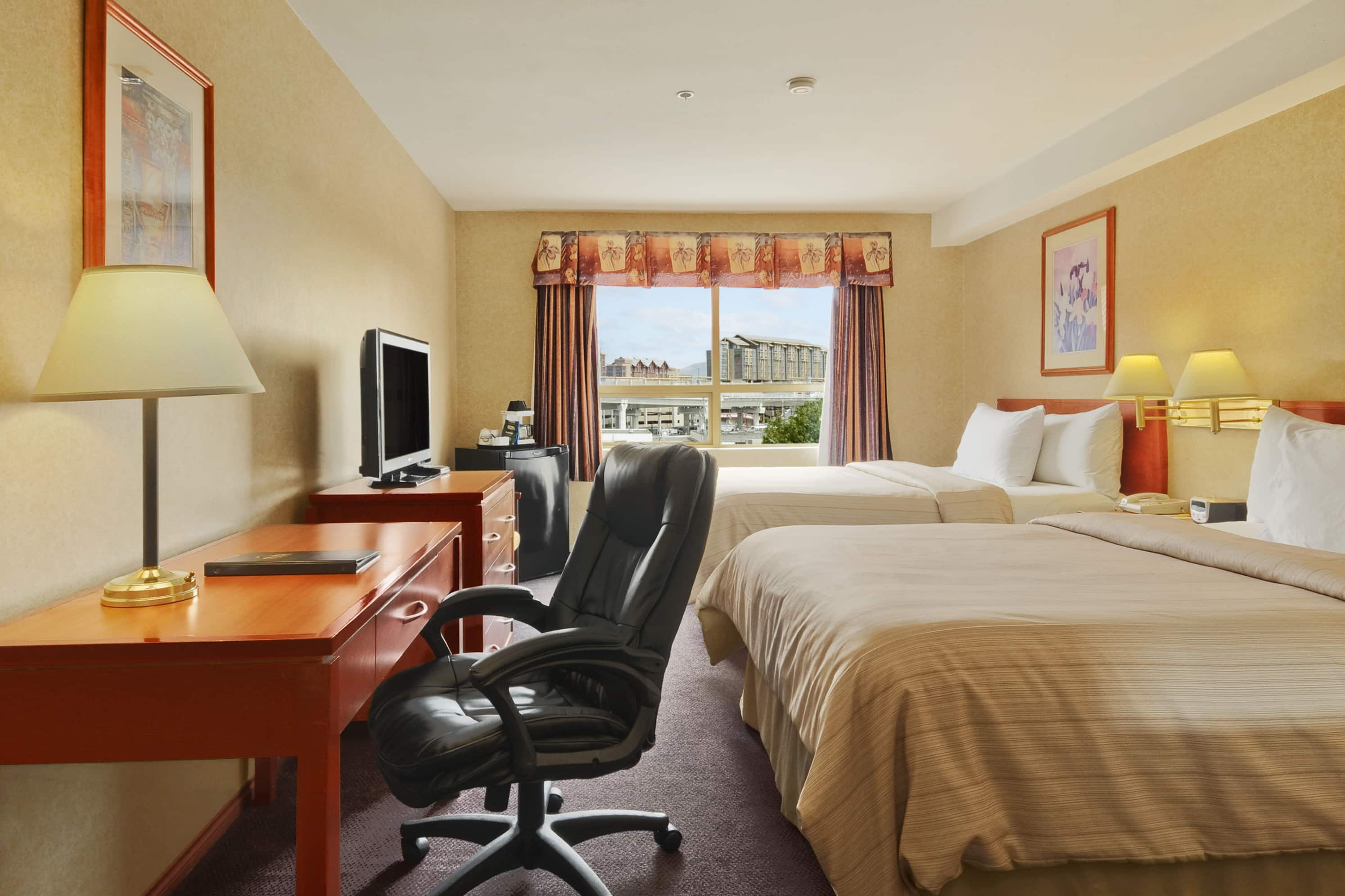 Guest room at the Days Inn - Vancouver Airport in Richmond, British Columbia