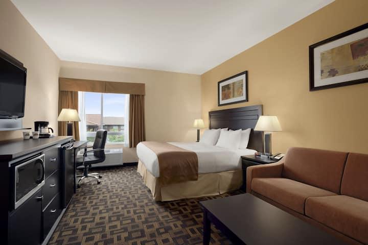 Guest room at the Days Inn & Suites Winnipeg Airport, Manitoba in Winnipeg, Manitoba