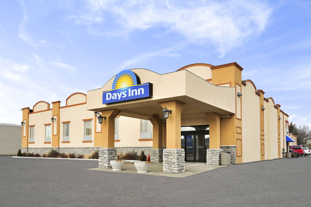 Days Inn by Wyndham Brampton à Mississauga, Ontario