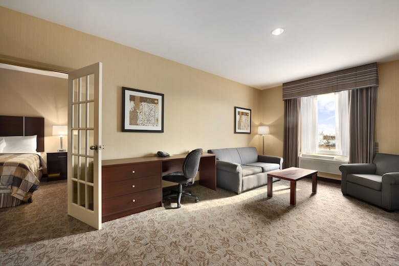 Guest Room At The Days Inn Brampton In Ontario