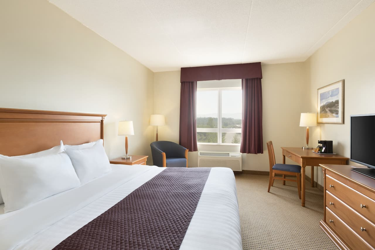 at the Days Inn & Suites Collingwood in Collingwood, Ontario