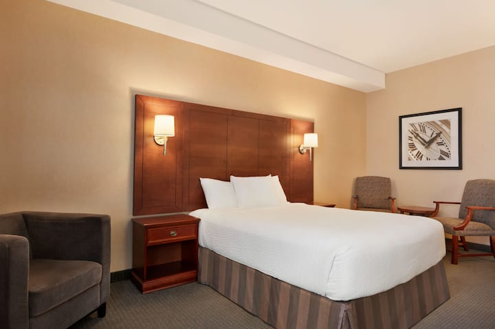 Guest room at the Days Inn Guelph in Guelph, Ontario