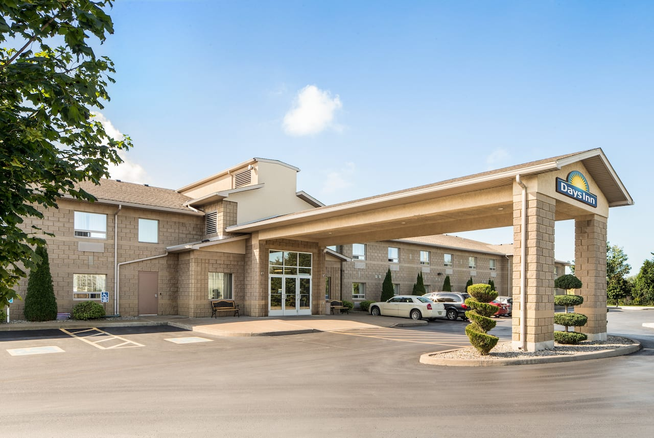 Days Inn Leamington in Leamington, Ontario