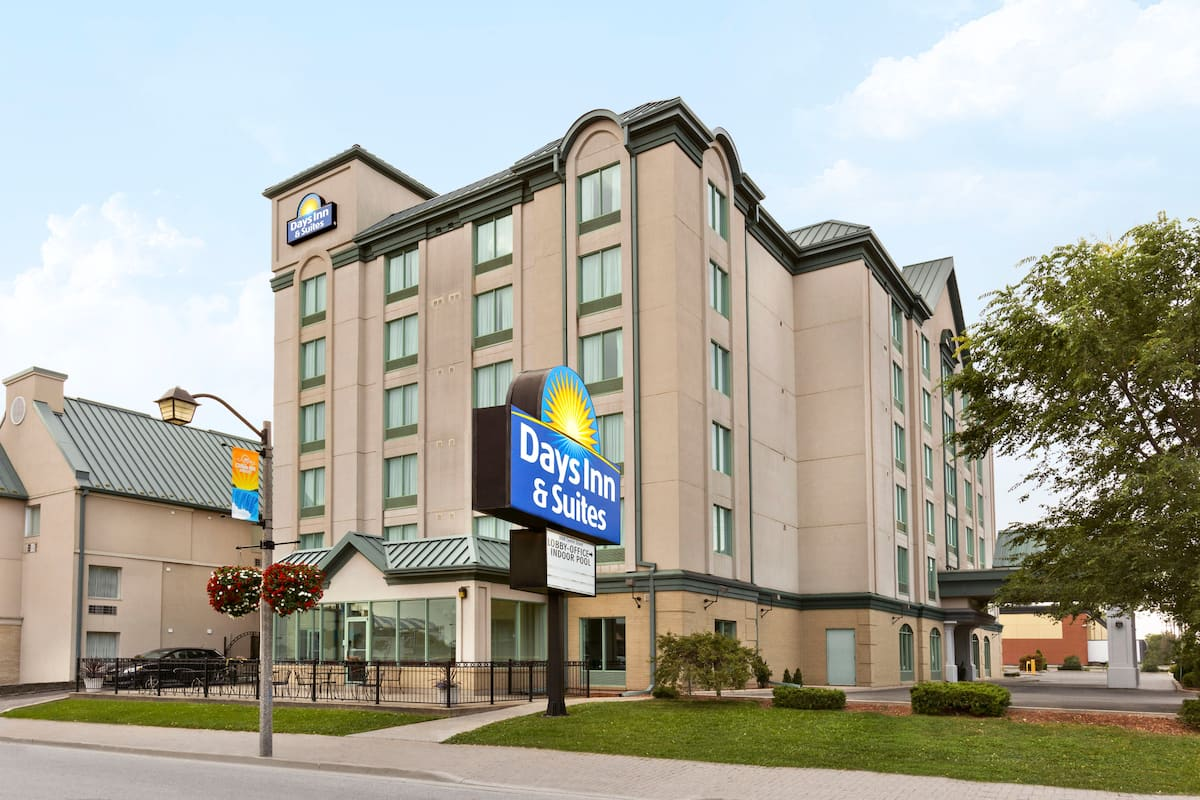 Americas Best Value Inn And Suites International Falls Days Inn Suites Niagara Falls Centre St By The Falls