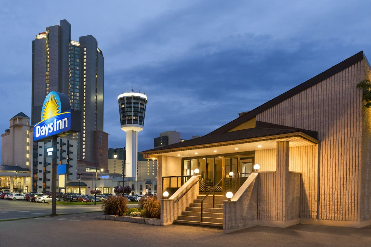 Days Inn by Wyndham Fallsview à Niagara Falls, Ontario