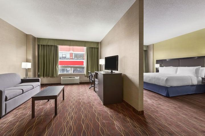 Days Inn - Ottawa suite in Ottawa, Ontario