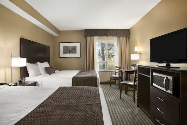 Guest room at the Days Inn Stouffville in Stouffville, Ontario