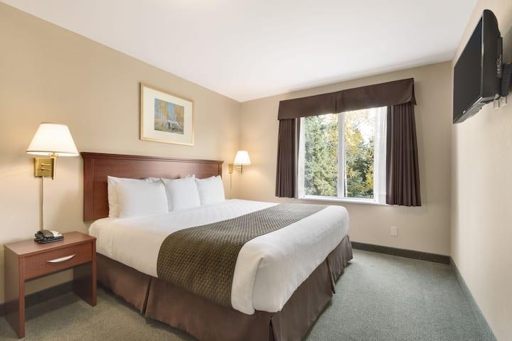 Days Inn Thunder Bay North suite in Thunder Bay, Ontario