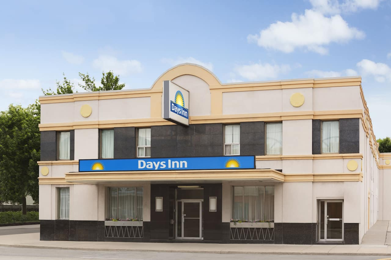Days Inn by Wyndham Toronto East Beaches à Mississauga, Ontario