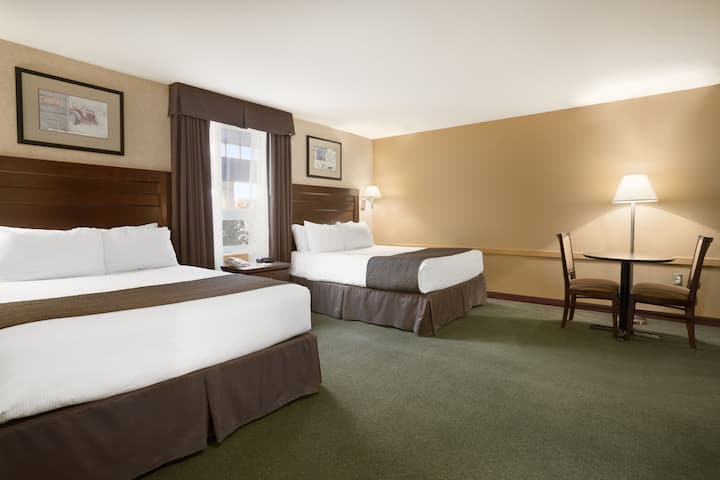 Guest room at the Days Inn - Estevan in Estevan, Saskatchewan