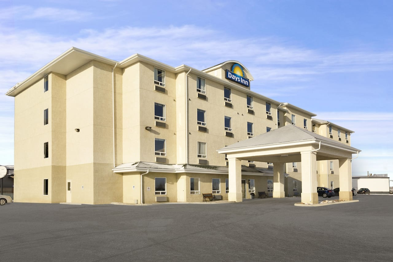 Days Inn by Wyndham Moose Jaw in  Moose Jaw,  Saskatchewan