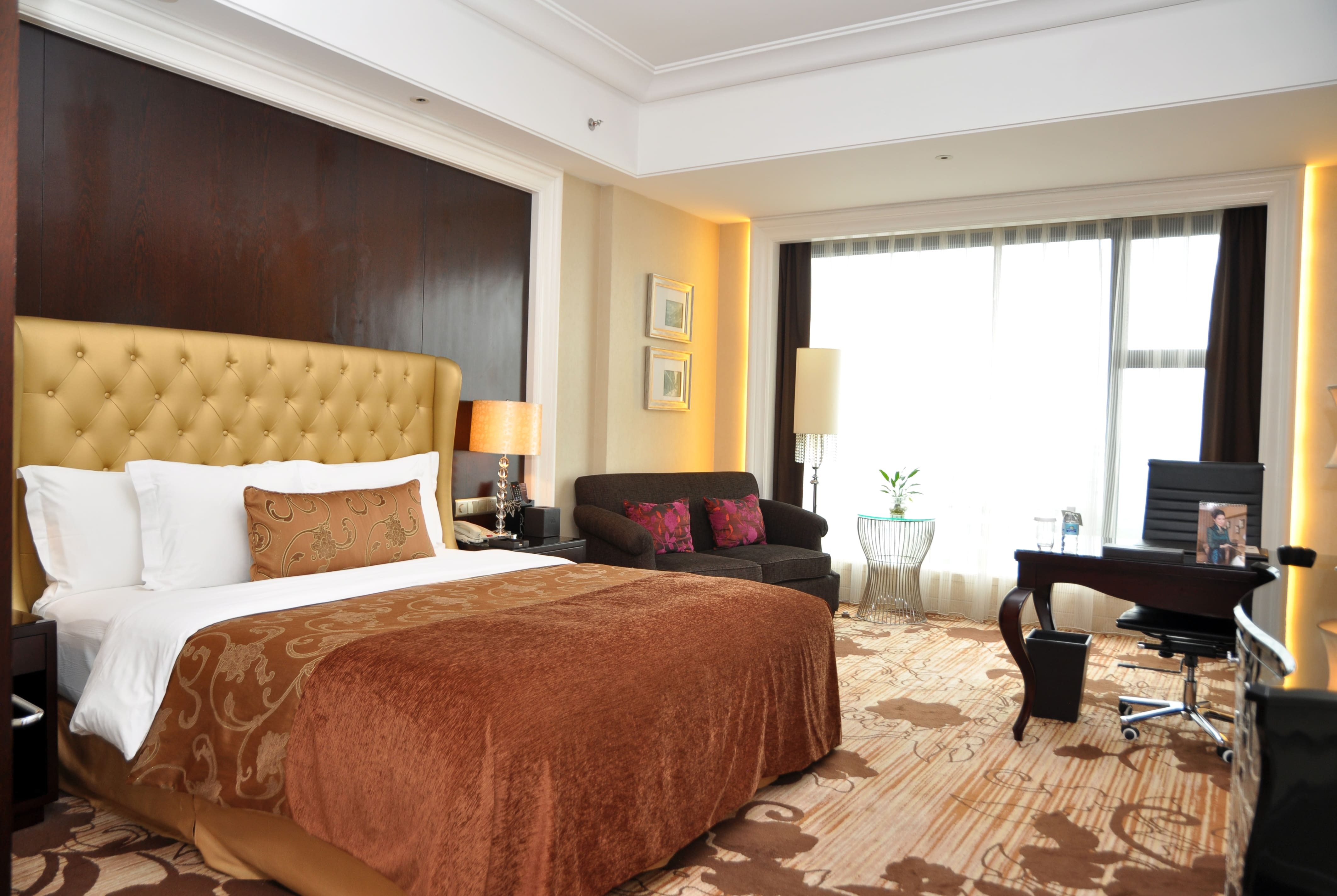 Guest room at the Days Hotel & Suites Hillsun Chongqing in Chongqing, Other than US/Canada