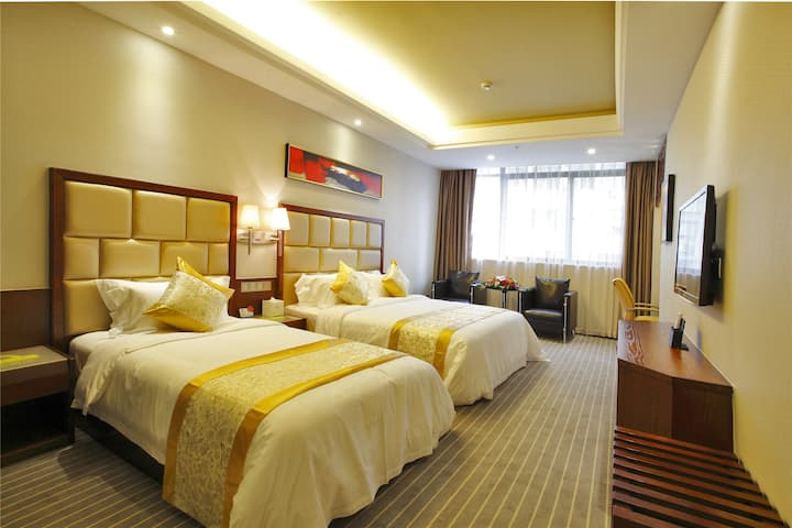 Guest room at the Days Inn Hotspring Xiamen in Xiamen, Other than US/Canada