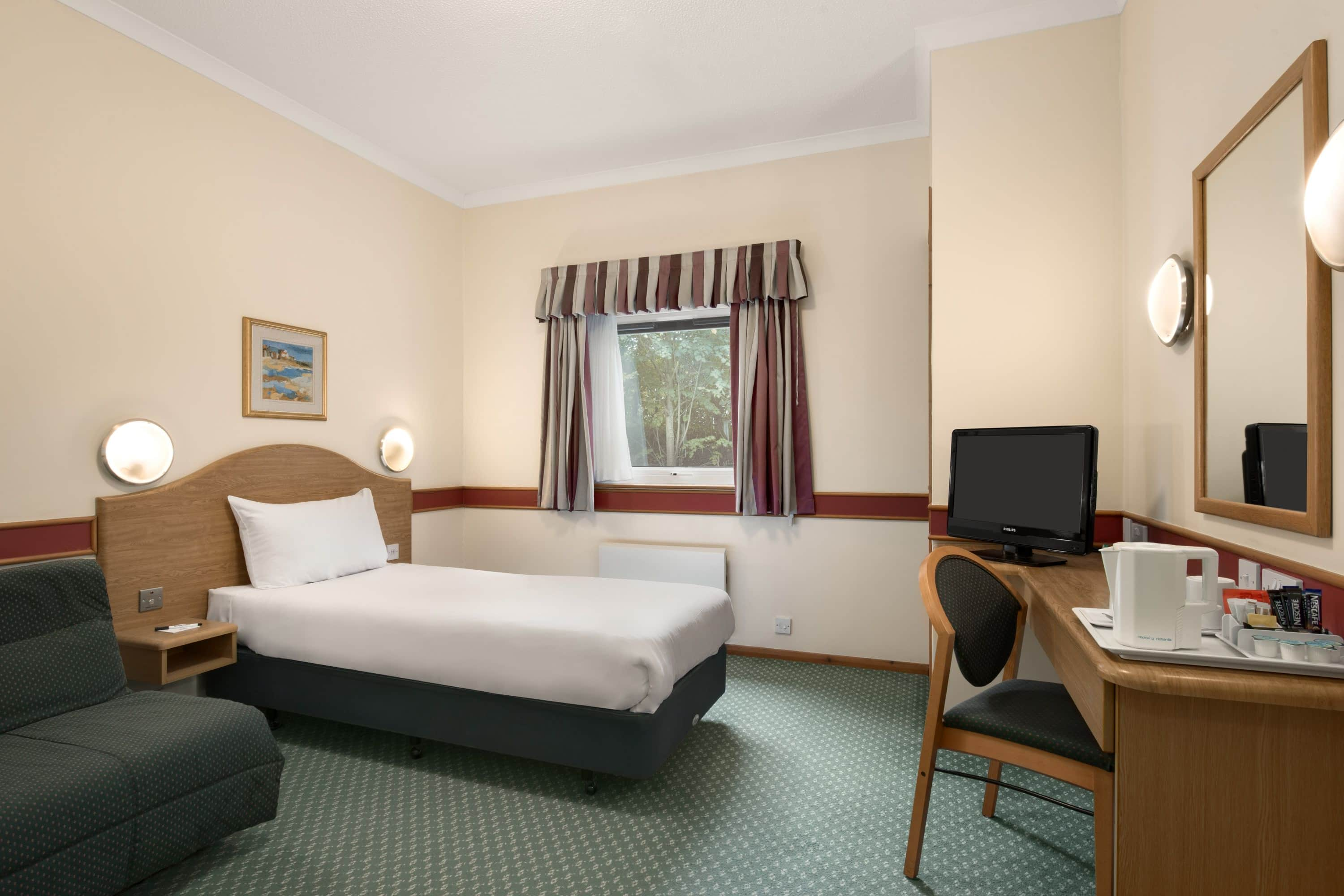 Guest room at the Days Inn Donington A50 in Derby, Other than US/Canada