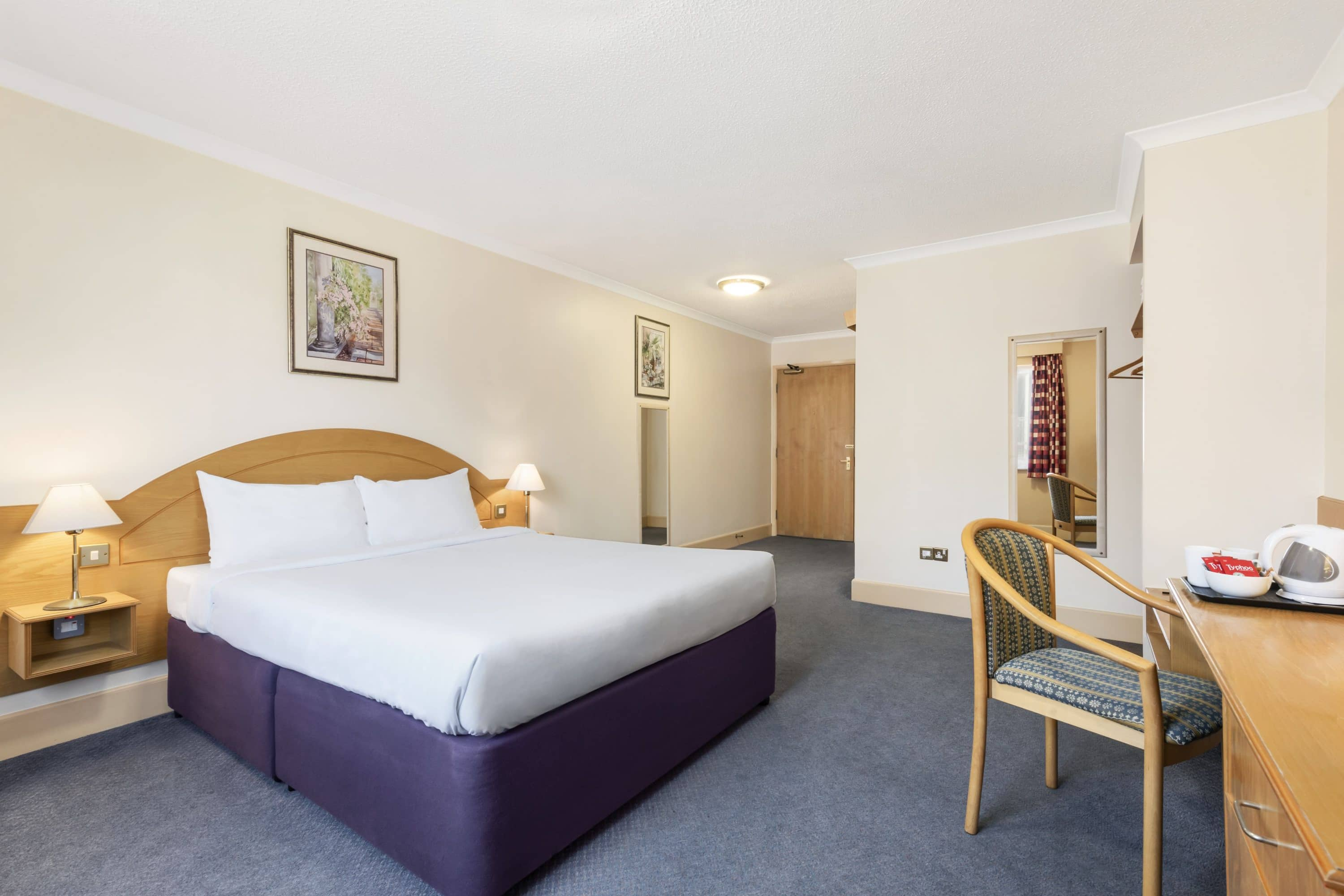 Guest room at the Days Inn Watford Gap in Northampton, Other than US/Canada